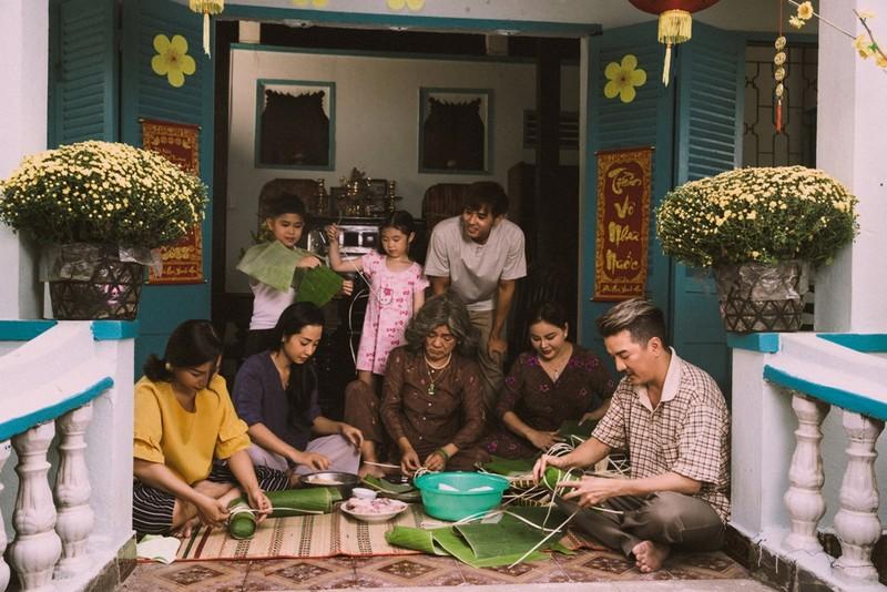 Gia đình 4 thế hệ đón tết cùng Đàm Vĩnh Hưng - ảnh 1