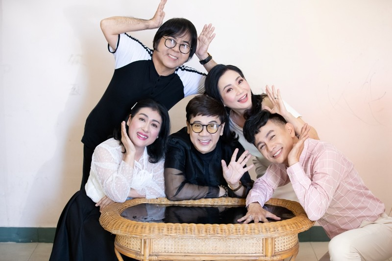 NSƯT Thành Lộc cùng nhóm Líu Lo 20 năm hội ngộ - ảnh 2
