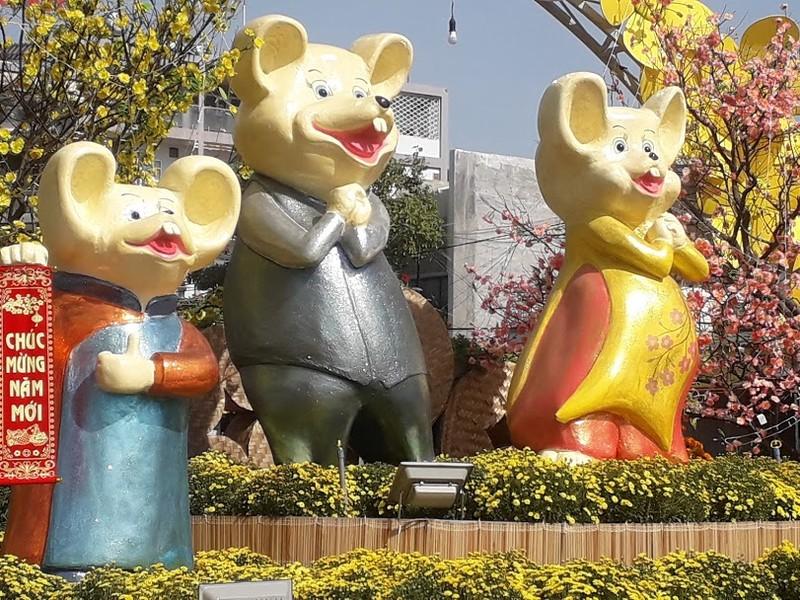 Gia đình Chuột vui nhộn ở đường hoa thành phố Cam Ranh - ảnh 4