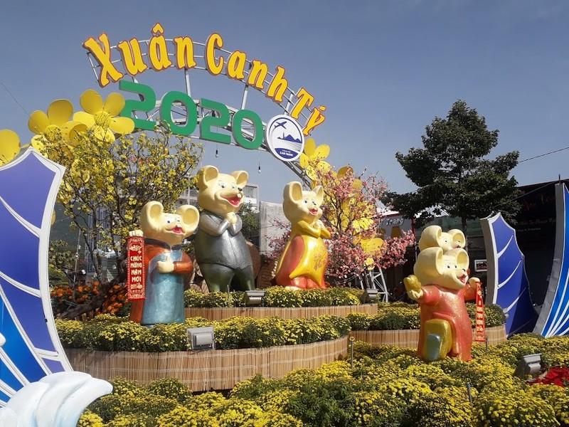Gia đình Chuột vui nhộn ở đường hoa thành phố Cam Ranh - ảnh 5
