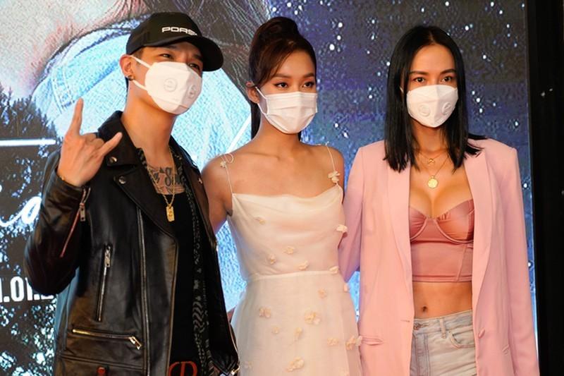 Hồng Vân đóng cửa sân khấu, sao Việt đeo khẩu trang vì Corona - ảnh 5