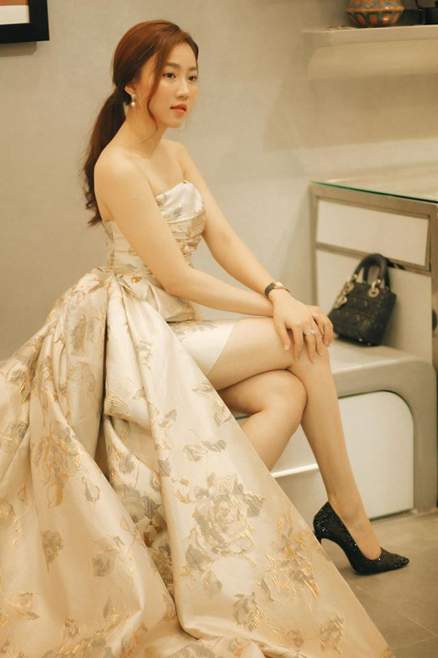 Diễn viên Hồng Loan hẹn hò với Tiến Linh là ai? - ảnh 12