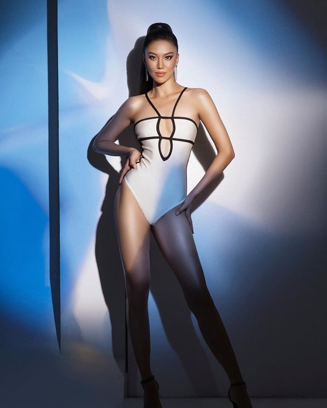 Á hậu Kim Duyên khoe dáng nóng bỏng với bikini - ảnh 8