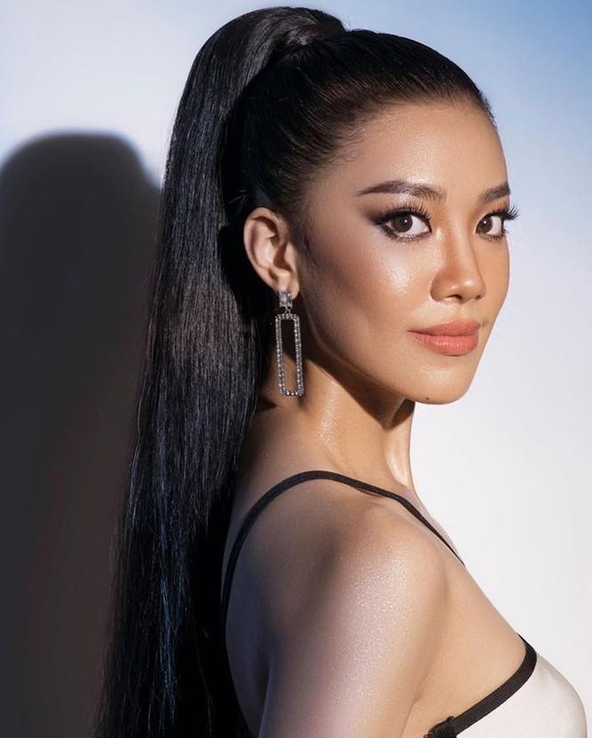 Á hậu Kim Duyên khoe dáng nóng bỏng với bikini - ảnh 1