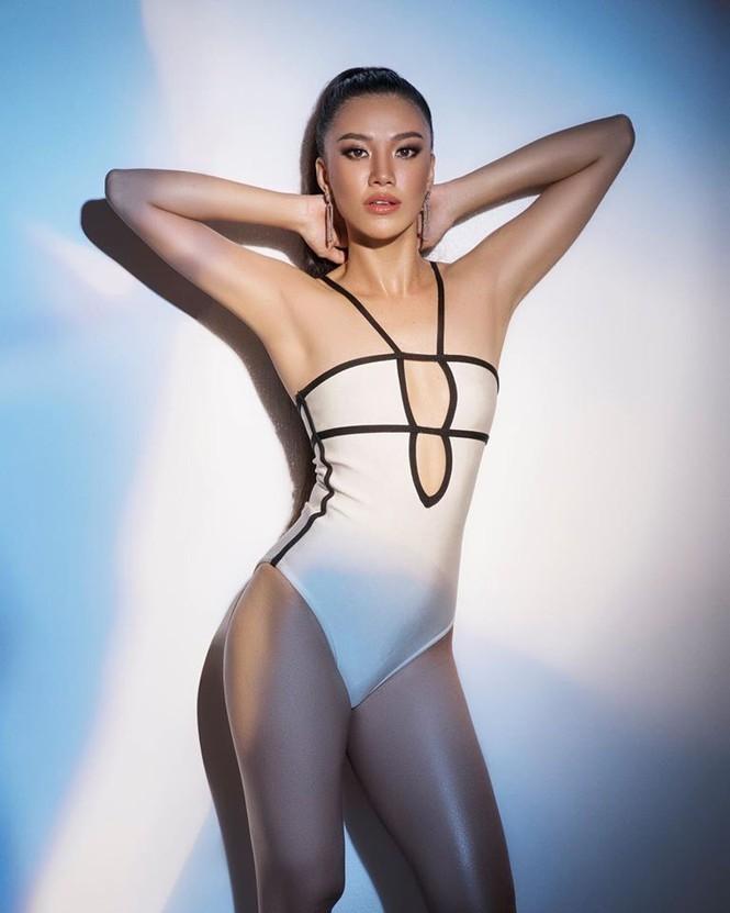 Á hậu Kim Duyên khoe dáng nóng bỏng với bikini - ảnh 9