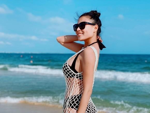Thúy Diễm tung bộ ảnh bikini gợi cảm - ảnh 12
