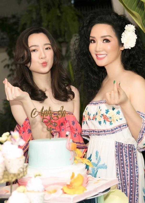 Anh Sa - con gái Hoa hậu Giáng My ngày càng xinh đẹp - ảnh 11