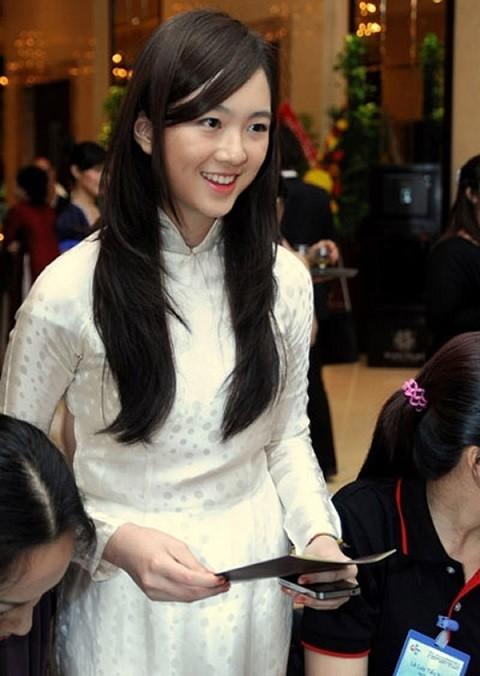 Anh Sa - con gái Hoa hậu Giáng My ngày càng xinh đẹp - ảnh 1