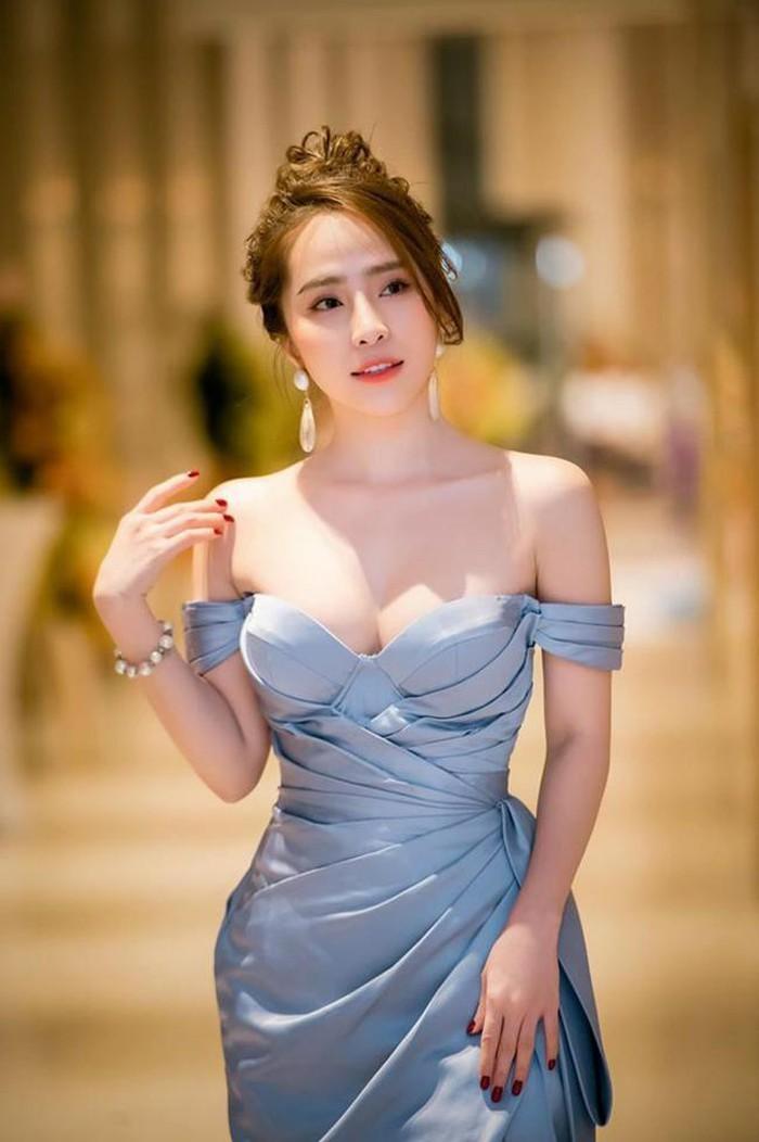 'Cá sấu chúa' Quỳnh Nga ngày càng xinh đẹp, gợi cảm - ảnh 4