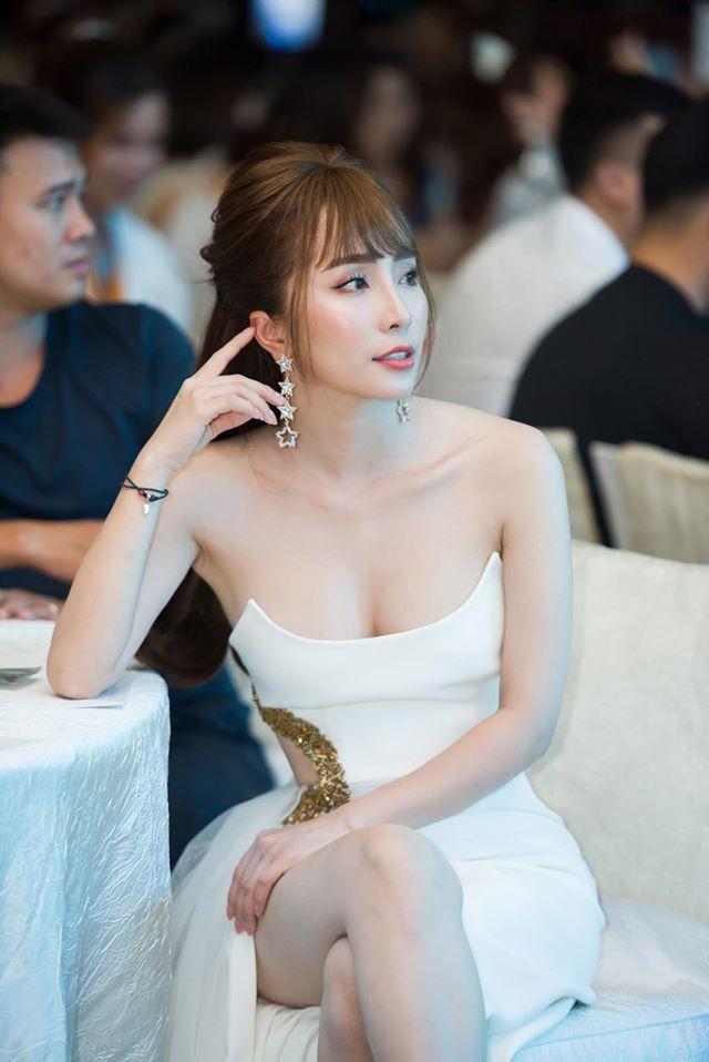 'Cá sấu chúa' Quỳnh Nga ngày càng xinh đẹp, gợi cảm - ảnh 16