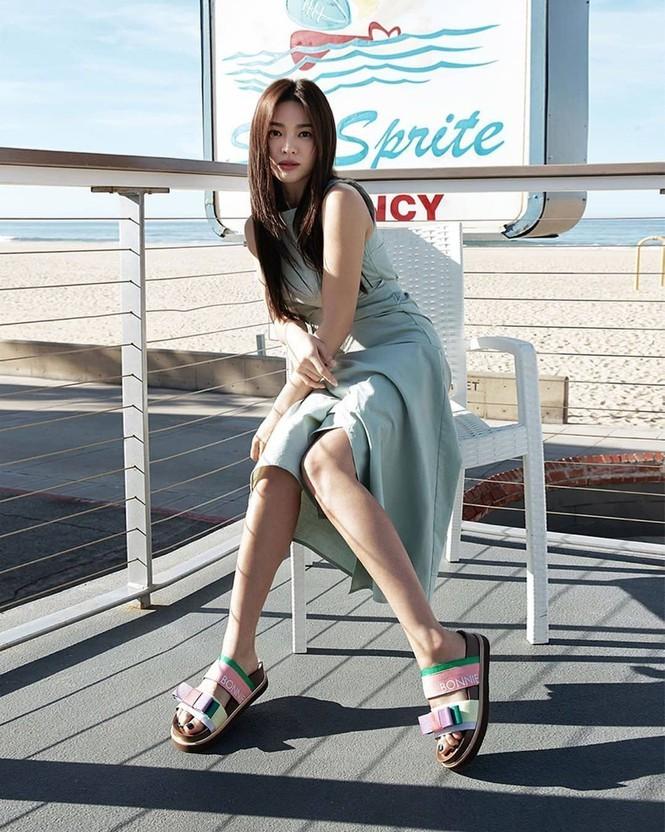 Song Hye Kyo khoe dáng tươi tắn ở tuổi 39 - ảnh 6