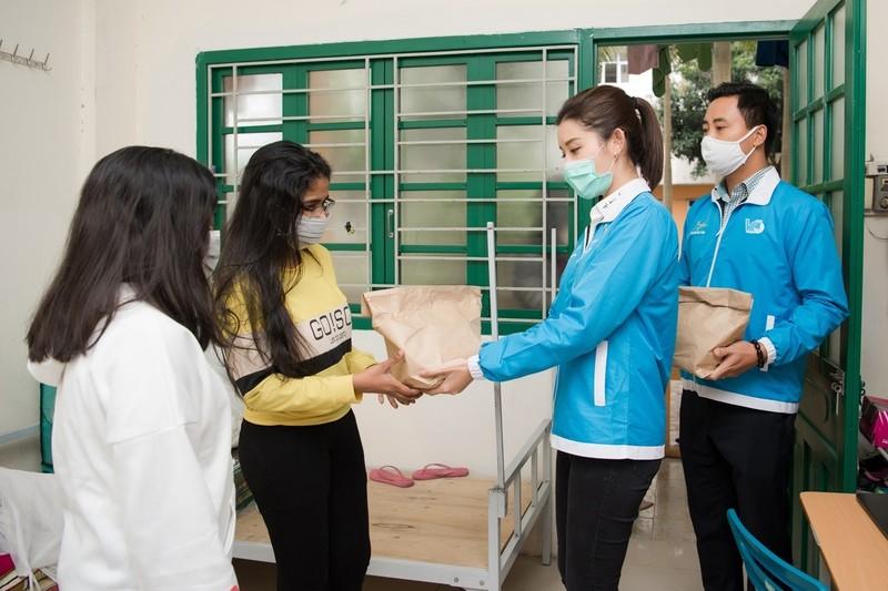 Á hậu Huyền My trao 8.000 suất ăn giúp người nghèo, sinh viên - ảnh 5