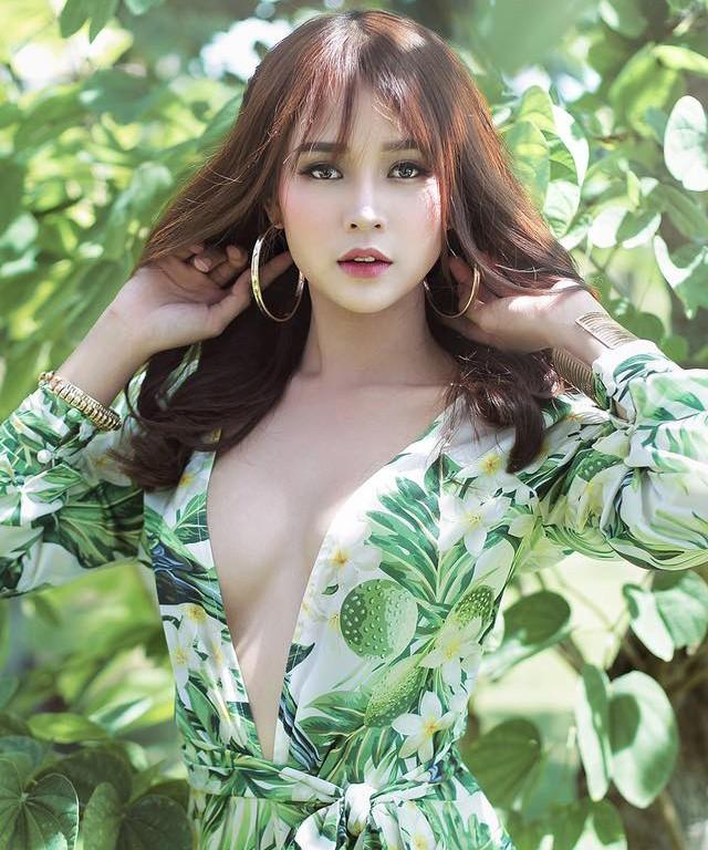 Hot girl Sam hiếm hoi diện bikini khoe dáng gợi cảm - ảnh 12