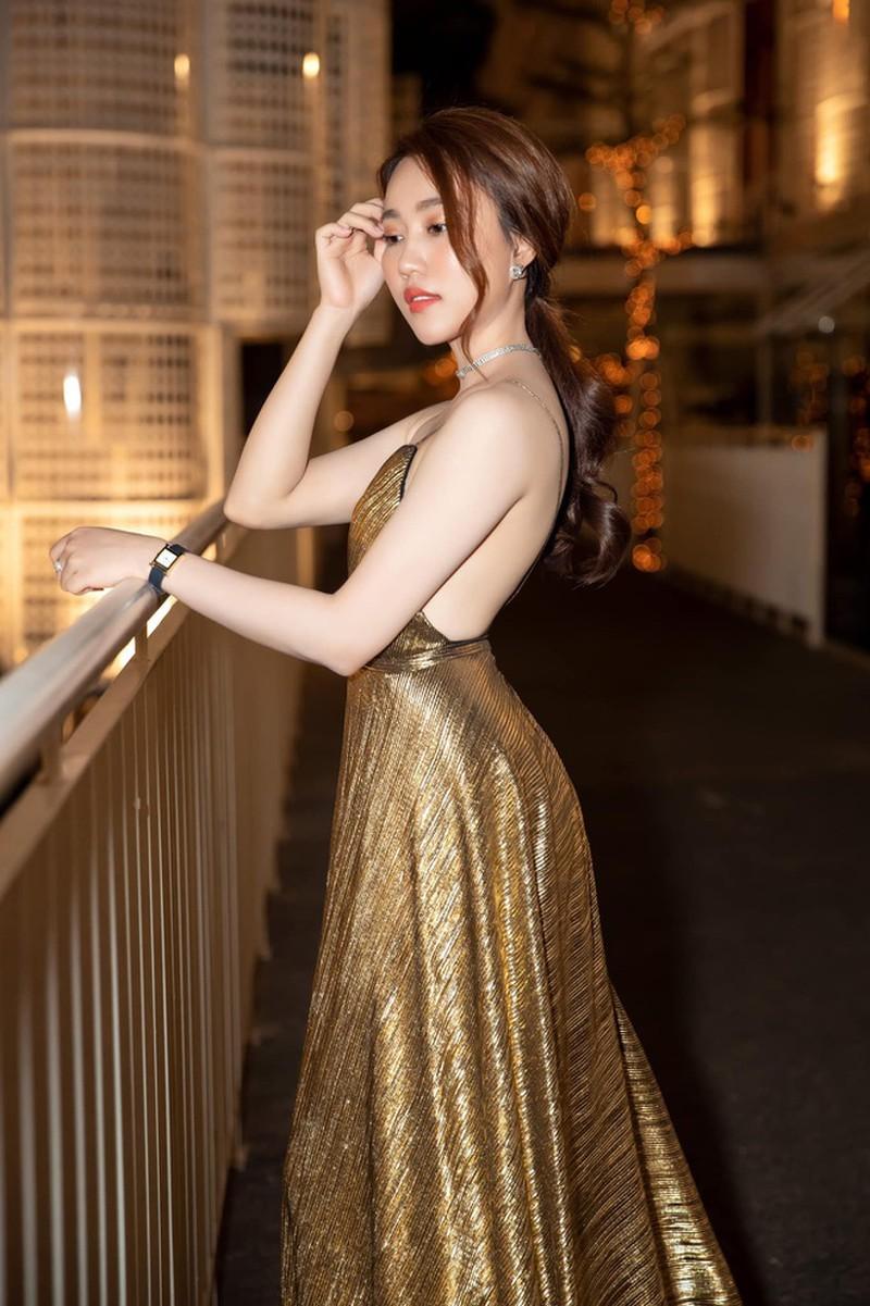 Diễn viên Hồng Loan hẹn hò với Tiến Linh là ai? - ảnh 10