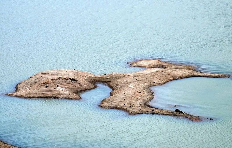Ngỡ ngàng 'công viên cát' dưới lòng hồ Suối Dầu ở Khánh Hòa - ảnh 10