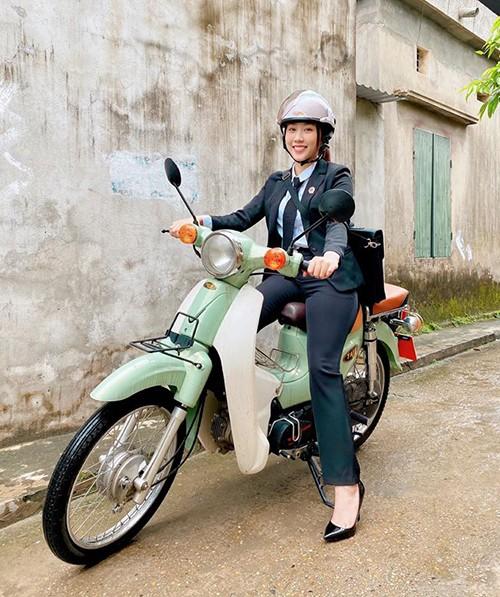 Sao Việt cắt tóc, đi quay phim... sau cách ly xã hội - ảnh 6