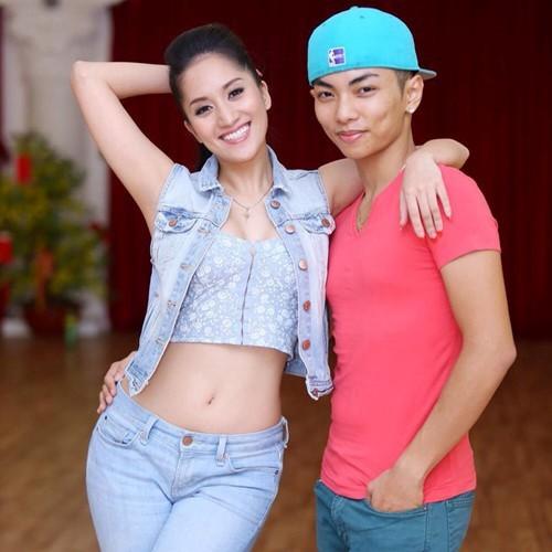 Nữ hoàng dancesport Khánh Thi khoe dáng trên biển - ảnh 4