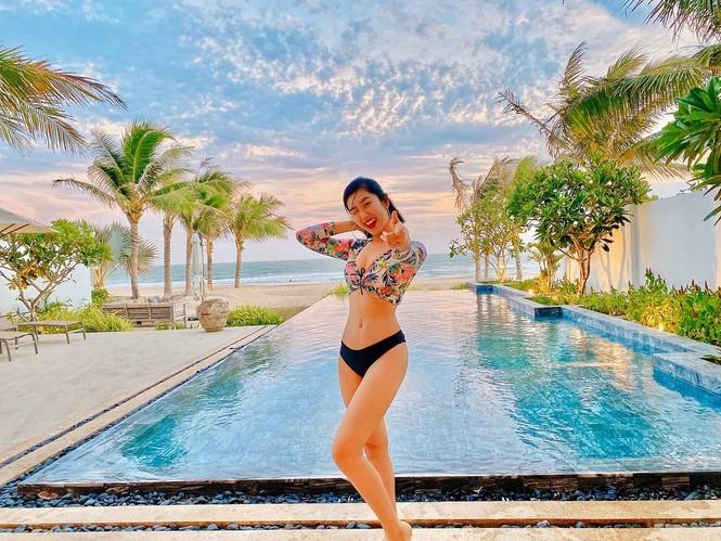 Sao Việt nghỉ lễ khoe dáng gợi cảm trên bãi biển  - ảnh 4