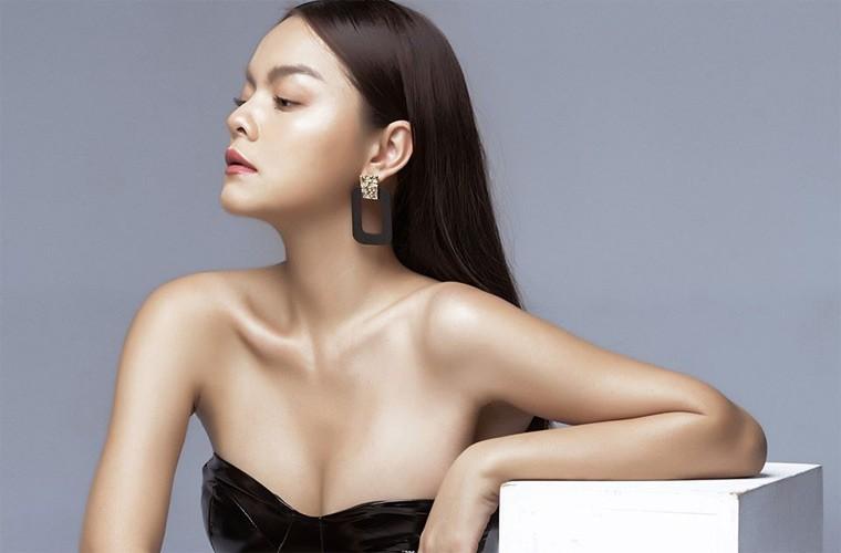 Phạm Quỳnh Anh khoe dáng gợi cảm với bikini  - ảnh 8