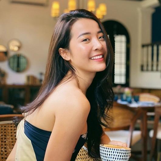 Karen Nguyễn 'người tình vua Bảo Đại' ngoài đời rất gợi cảm - ảnh 13