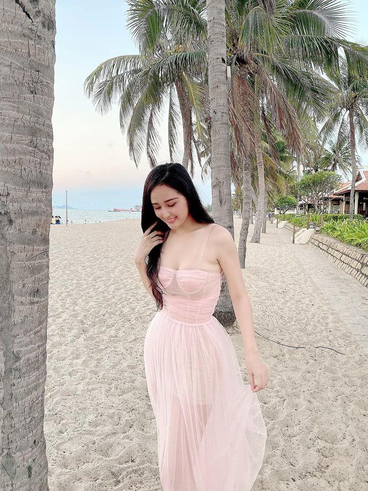 Mai Phương Thúy quyến rũ trên biển Nha Trang - ảnh 7