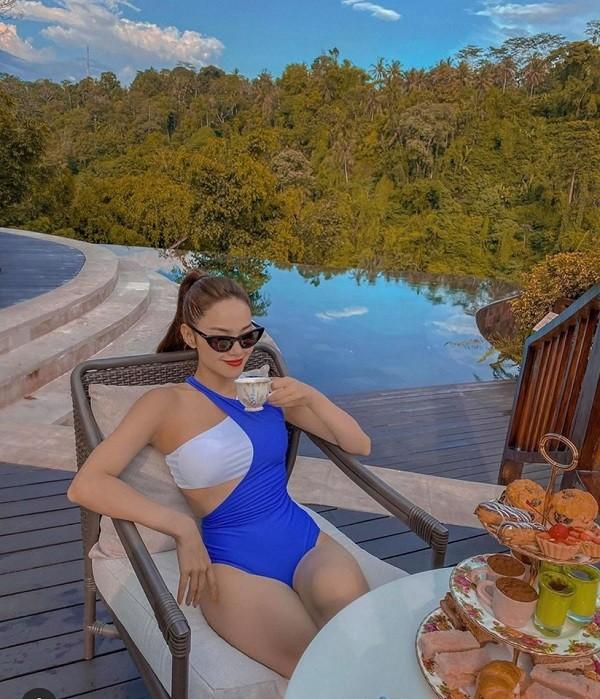 Sao Việt khoe dáng bikini mùa hè quyến rũ, gợi cảm  - ảnh 4