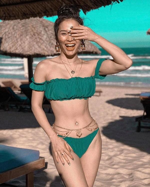 Sao Việt khoe dáng bikini mùa hè quyến rũ, gợi cảm  - ảnh 11