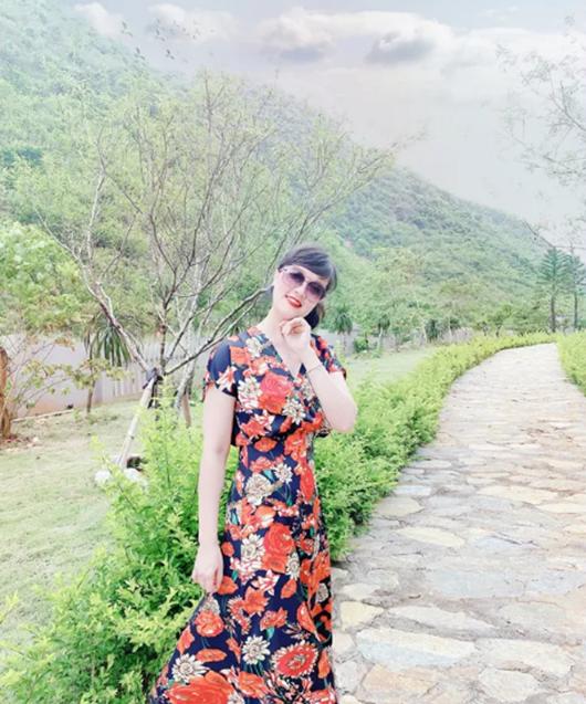 Vân Dung khoe dáng bikini gợi cảm ở tuổi 45 - ảnh 8