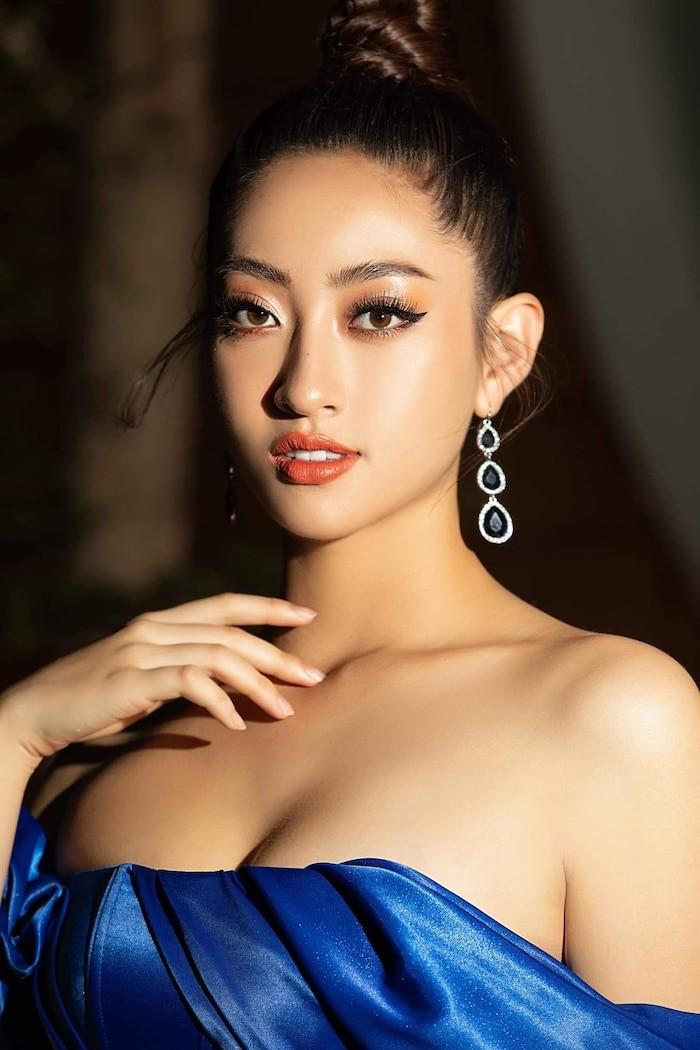 Hoa hậu Lương Thùy Linh khoe dáng bikini ở Côn Đảo - ảnh 1