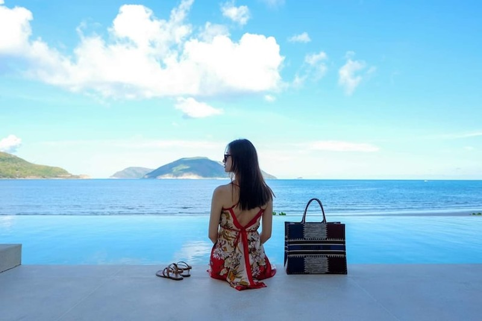Hoa hậu Lương Thùy Linh khoe dáng bikini ở Côn Đảo - ảnh 8