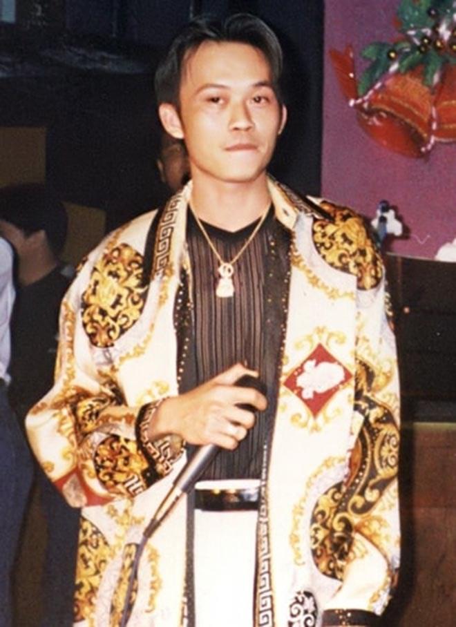 Hoài Linh khoe ảnh thời trai trẻ - ảnh 1
