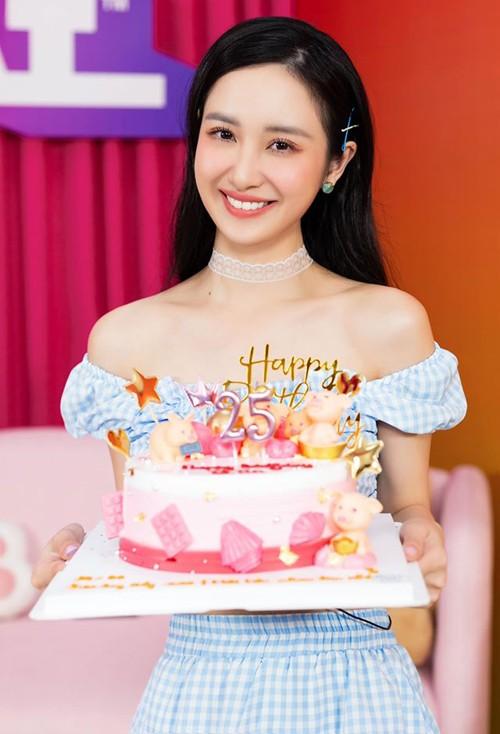 Khả Ngân nhập viện, nhiều sao Việt mừng sinh nhật - ảnh 3