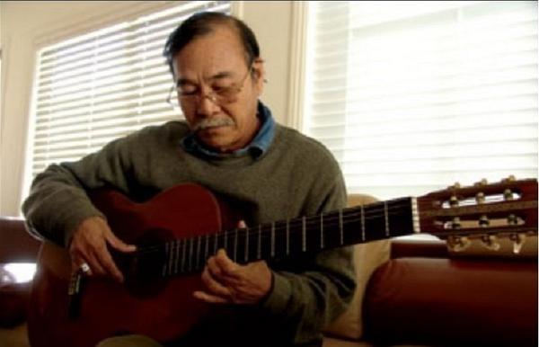 Nhạc sĩ Trần Quang Lộc hát 'Sài Gòn còn đó những cơn mưa' - ảnh 1