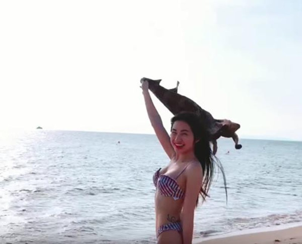 Hòa Minzy khoe dáng gợi cảm có hình xăm  - ảnh 11