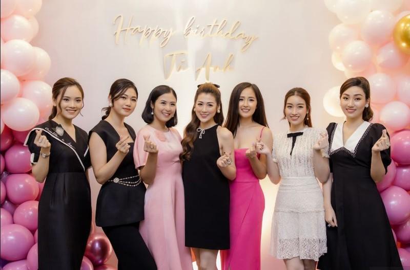 Mai Phương Thúy nổi bật nhất tại sinh nhật á hậu Tú Anh - ảnh 1