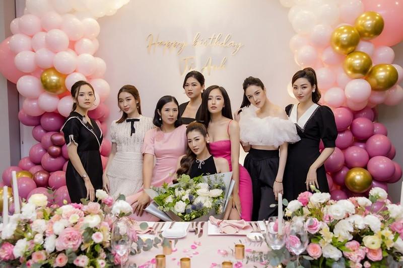 Mai Phương Thúy nổi bật nhất tại sinh nhật á hậu Tú Anh - ảnh 4