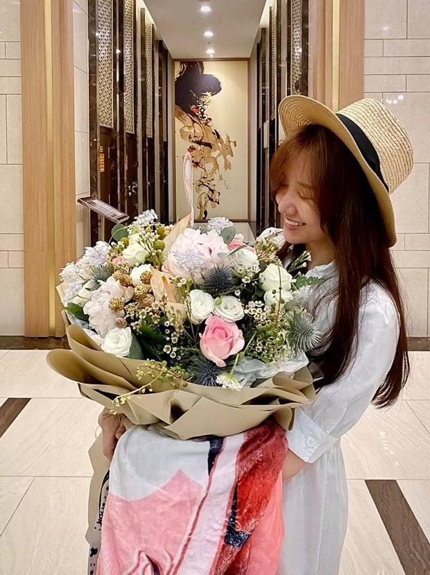 Mai Phương Thúy hội ngộ dàn hoa-á hậu, Hoài Lâm ly hôn - ảnh 10