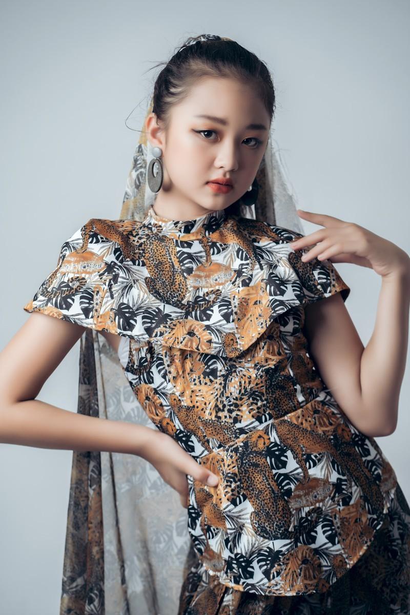 Mẫu nhí 11 tuổi Kim Chi catwalk chuyên nghiệp, ấn tượng - ảnh 8