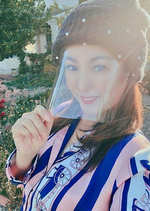 Huyền My, Mỹ Linh khoe dáng gợi cảm, Thúy Nga bị đồn qua đời - ảnh 15