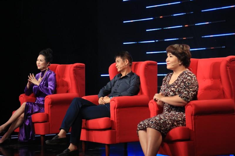 Quyền Linh và Phi Thanh Vân tranh cãi nảy lửa về việc im lặng - ảnh 1