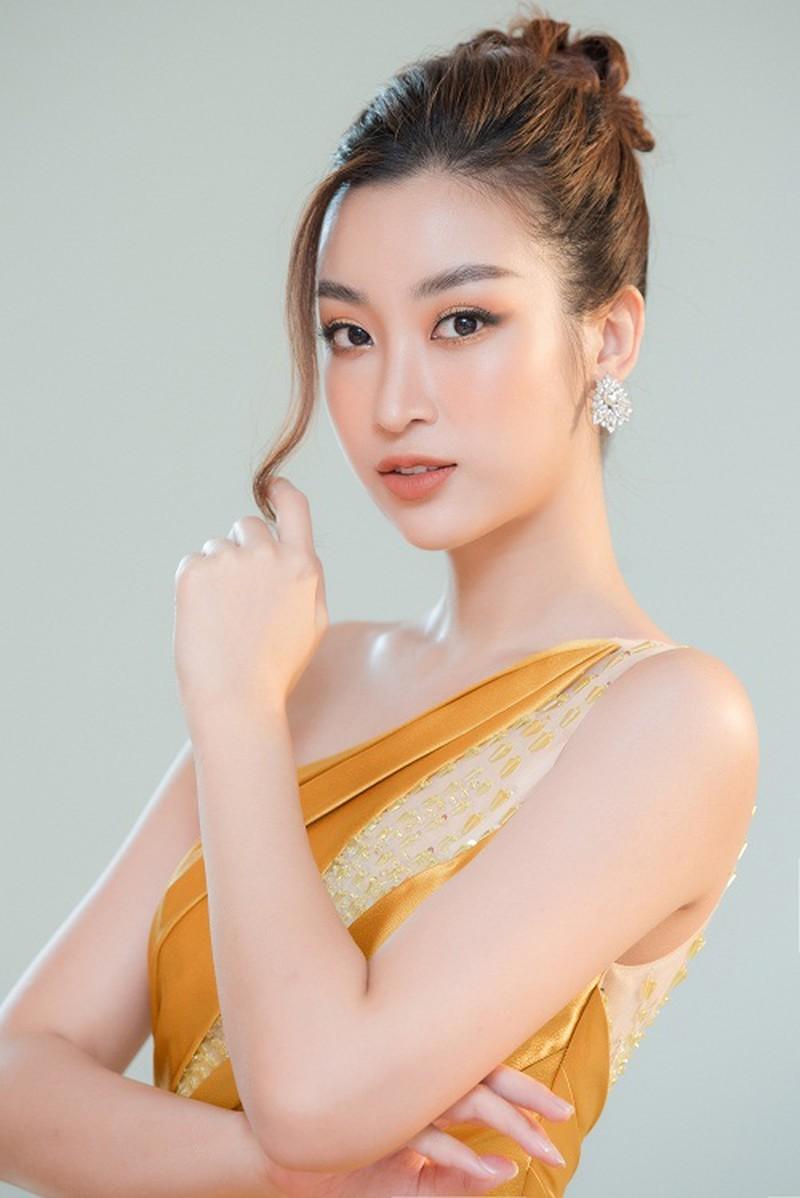 Mỹ nhân Việt khoe sắc vàng quyến rũ - ảnh 1