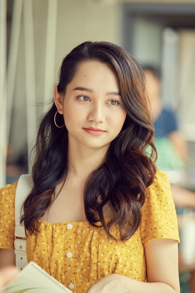 Mỹ nhân Việt khoe sắc vàng quyến rũ - ảnh 13