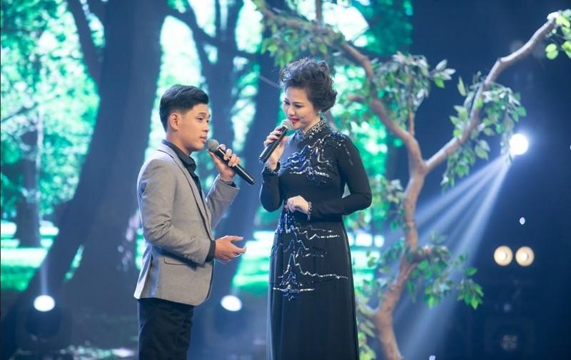 Quán quân ca sĩ thần tượng 2020 xứng danh 'tiểu Giao Linh' - ảnh 6