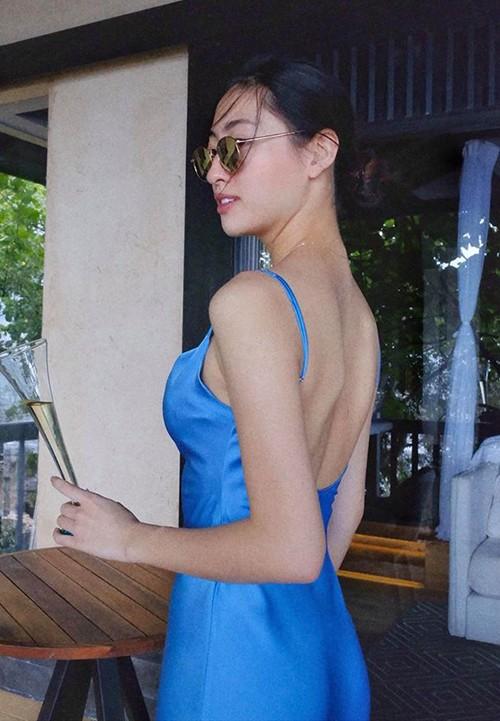 Phương Trinh Jolie giả nam, Jun Vũ và mỹ nhân Việt khoe dáng  - ảnh 22