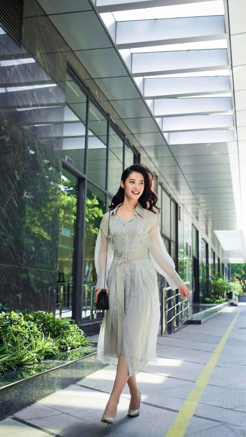 Ngắm Nông Thúy Hằng đạt giỏi Văn quốc gia thi Hoa hậu - ảnh 4