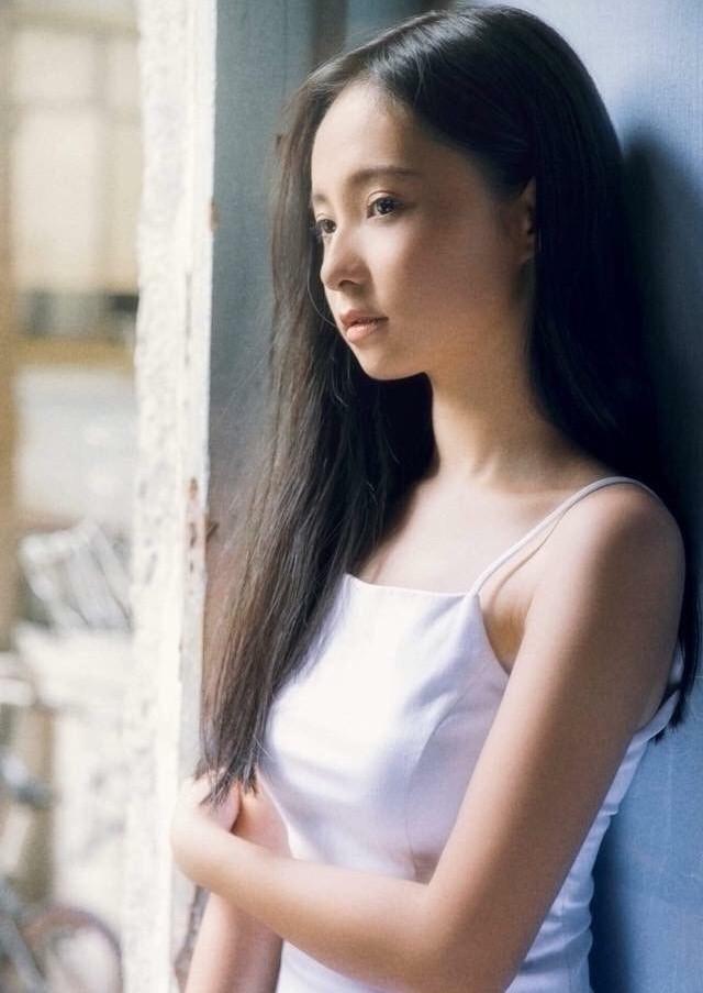 Ngắm Song Thư - nữ sinh Luật thi Hoa hậu Việt Nam 2020 - ảnh 4