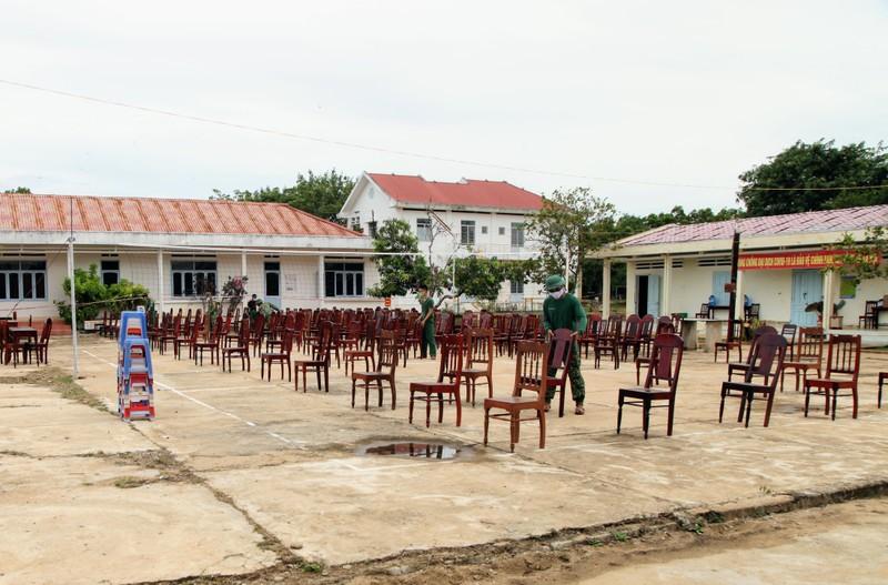 Ninh Thuận đón 230 người Việt từ Malaysia về khu cách ly - ảnh 6