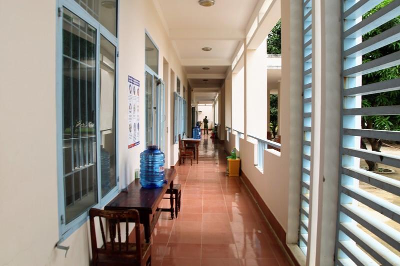 Ninh Thuận đón 230 người Việt từ Malaysia về khu cách ly - ảnh 8