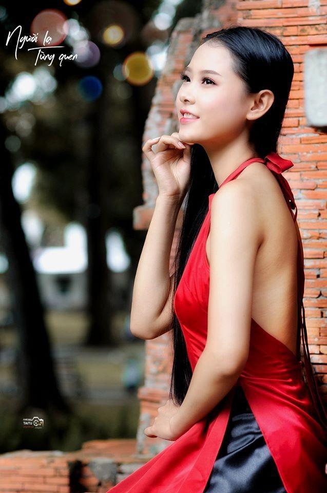 Nguyễn Thùy Dương nữ sinh Luật tóc dài 1m thi Hoa hậu Việt Nam - ảnh 10