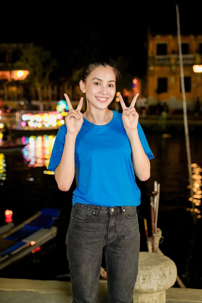 Hoa hậu Tiểu Vy đón tuổi 20 với bộ ảnh xinh đẹp, gợi cảm - ảnh 9